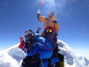 I løpet av kort tid satser Maxim-ekteparet på å nå toppen av Mount Everest
