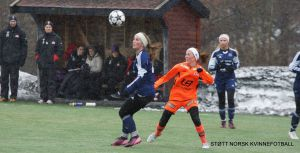 Eli Anne er en meget habil fotballspiller, men skadet seg i påsken under en 2. divisjonsmatch for Førde.