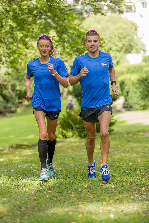LØPERPAR: Kristian er samboer med den meget gode ultraløperen Kathrine Kvernmo. Sammen prøver de å kombinere livet som toppidrettsutøvere med full jobb og studier.
