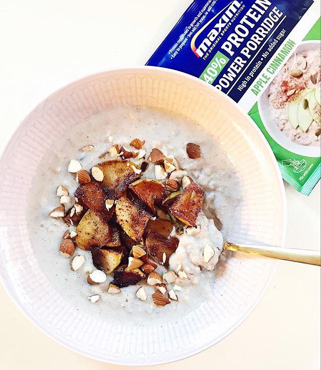 Proteingrøt med eple og kanel @sunnkostnorge 😍🙌🏼 God fredag! #maximnorge #maximsport #keepsyouinit #sportsnutrition #proteingrøt